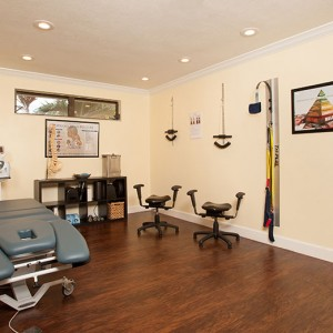 bond-thomas chiropractic exam room